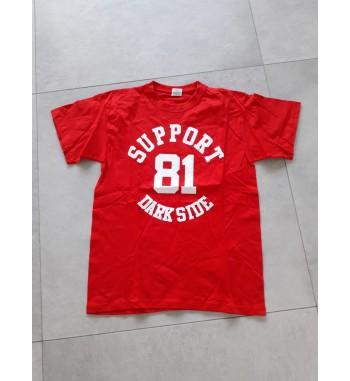 Rotes Shirt mit weißem...
